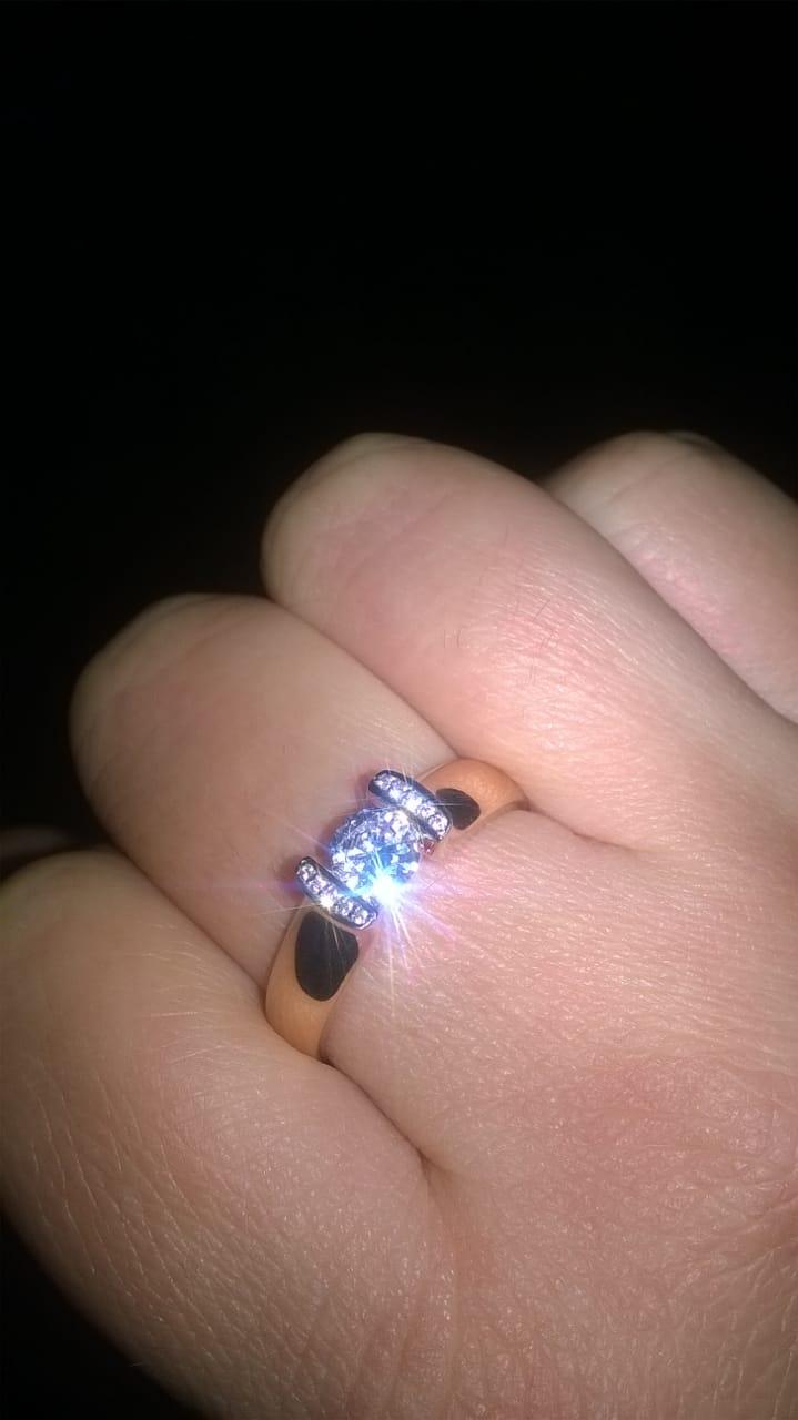 Сделал своей девушке предложение, она согласилась!!!