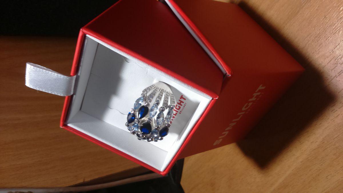 Кольцо очень красивое.. Обязательно куплю еще и серьги чтобы был комплект.