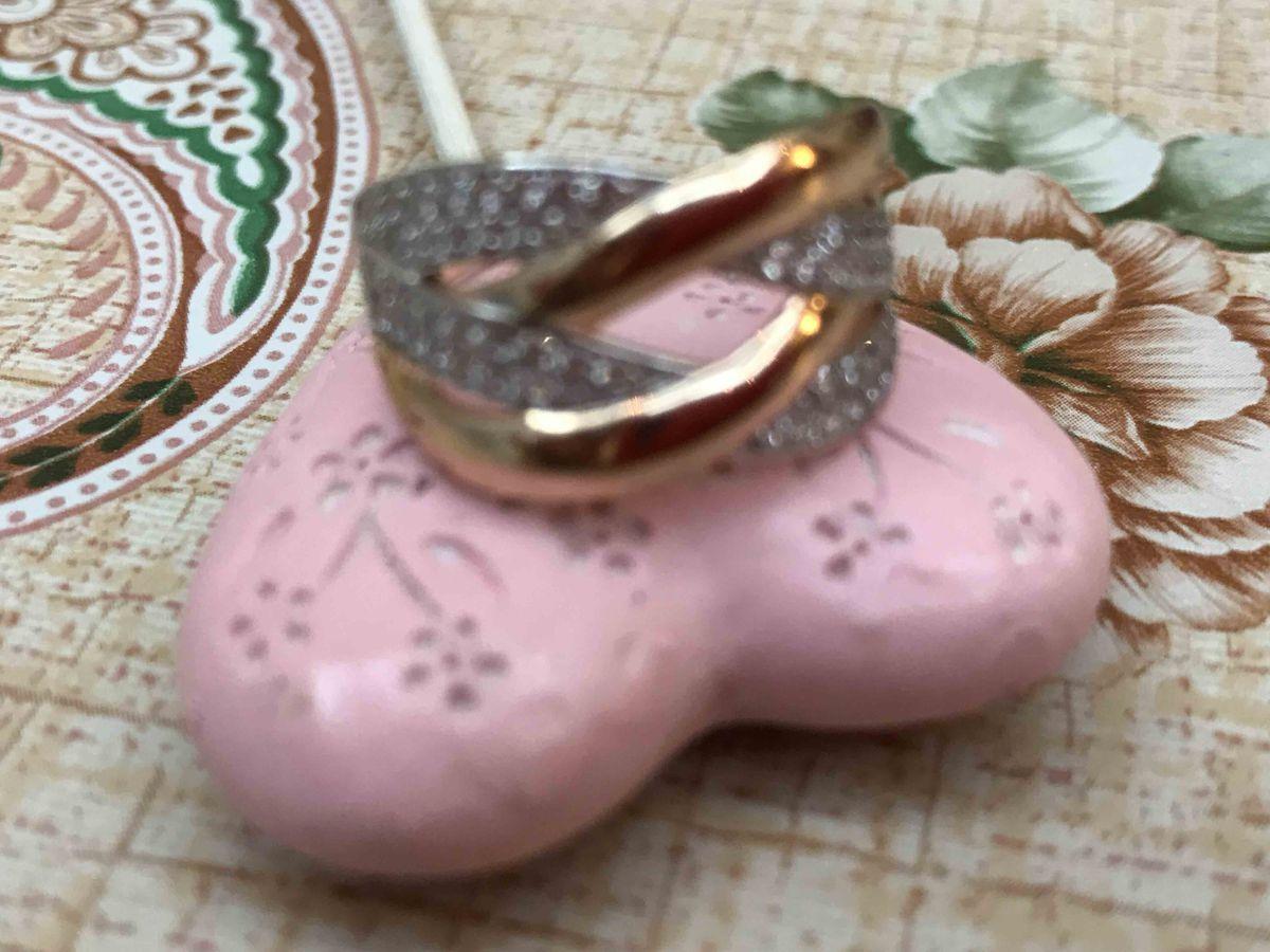 Шикарное, эффекное, видное кольцо,  я думала, хотела именно такое кольцо
