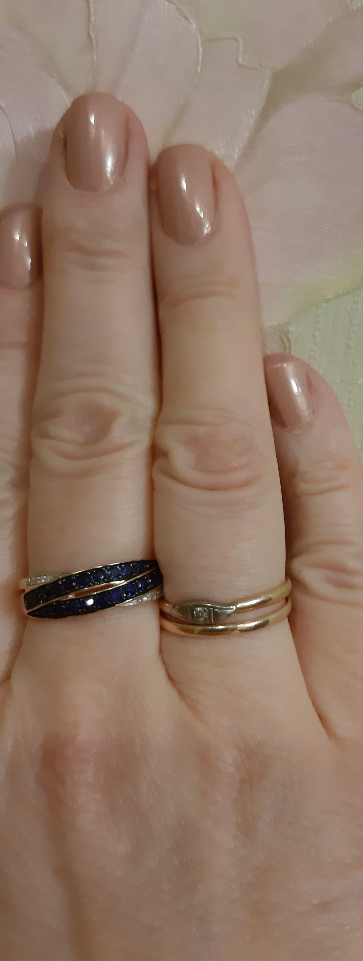 Прекрасное кольцо с сапфирами.
