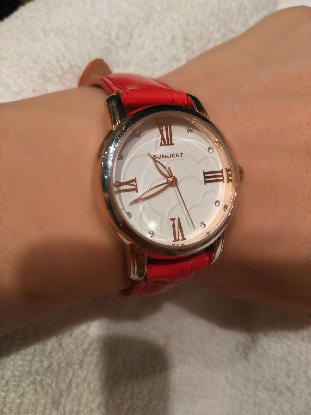 Часы шикарные! Дизайн утонченный! Подойдут для любой модницы!