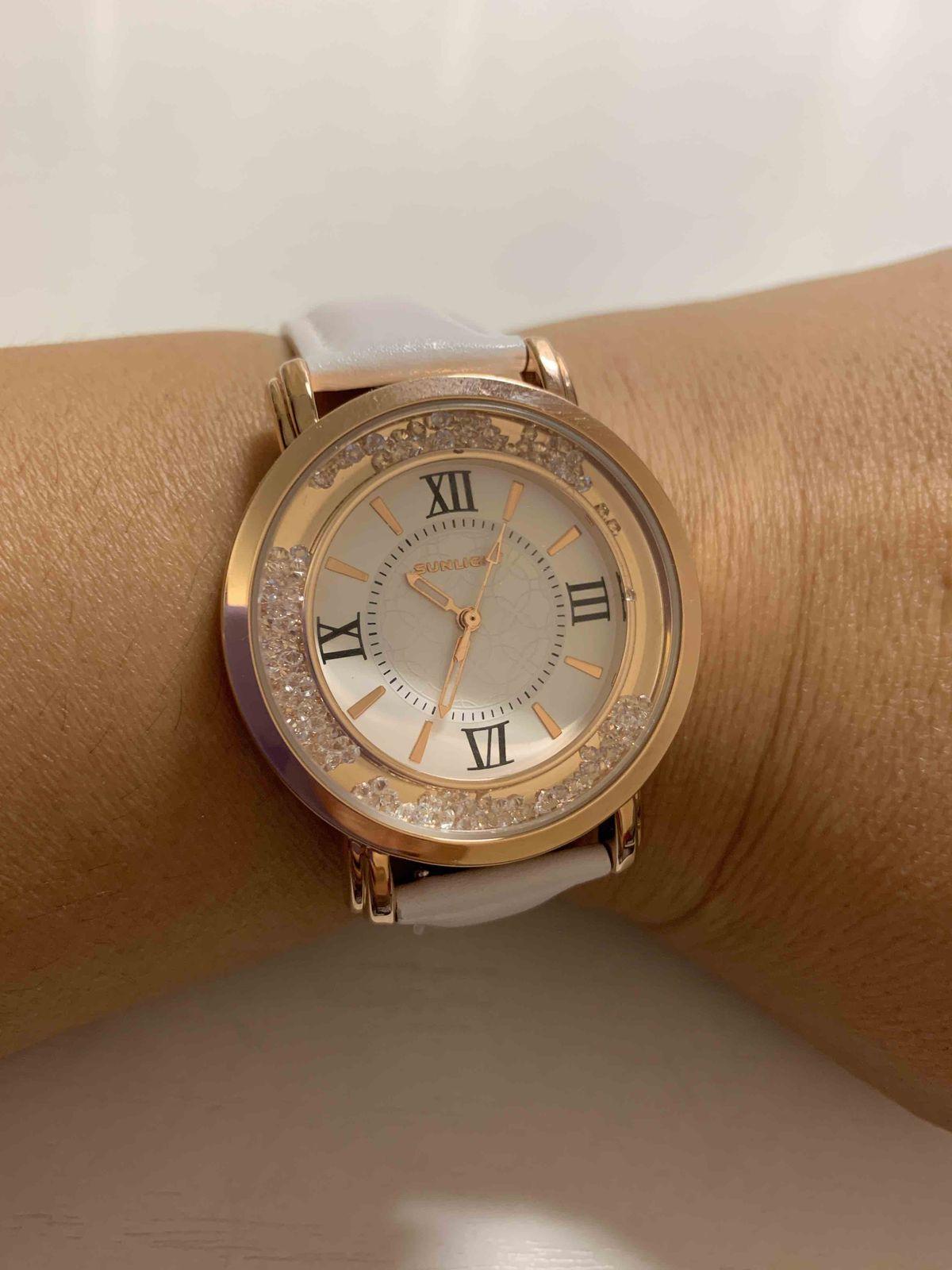 Часы очень стильные