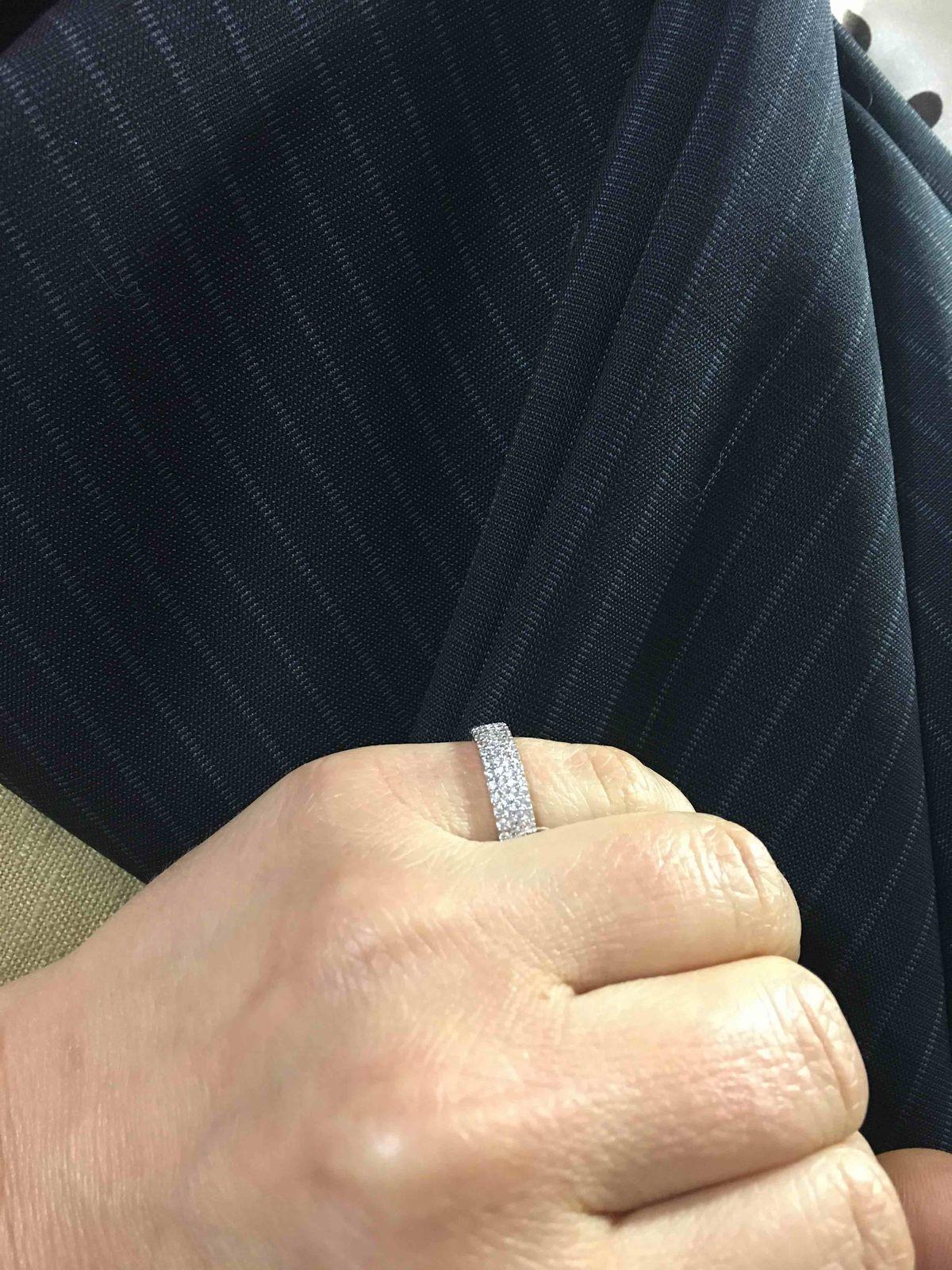 Кольцо в подарок невесте