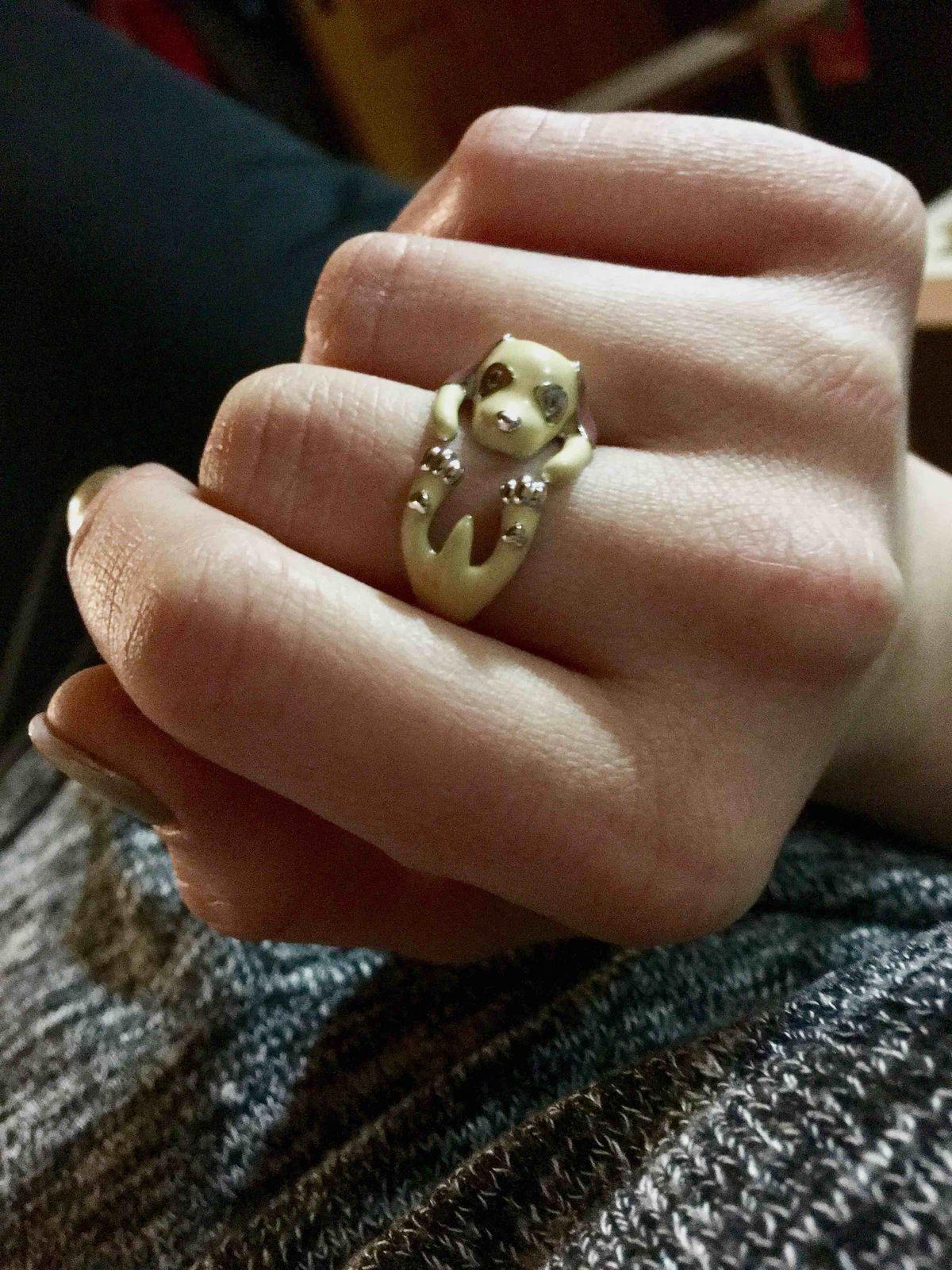 Кольцо замечательное! Поднимает настроение.