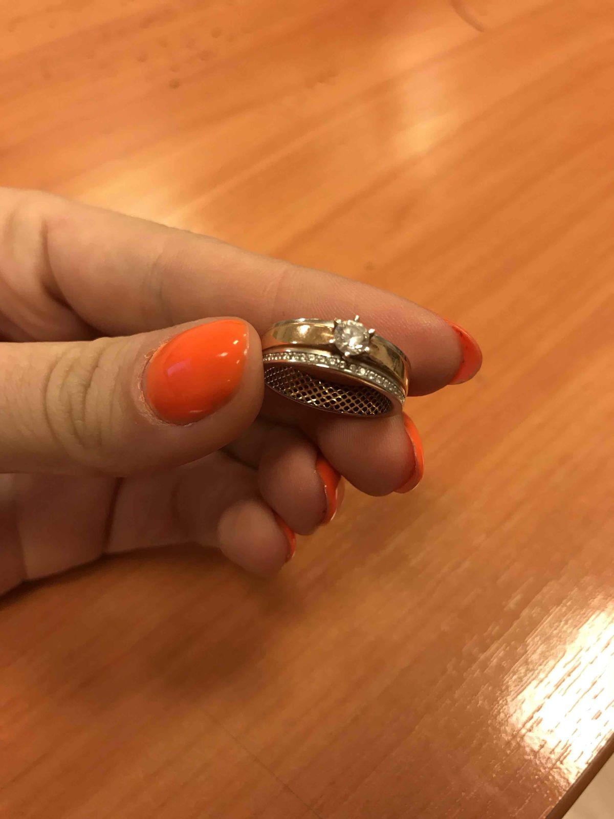 Кольцо золотое в сочетании с белым золотом ,с фианитами)