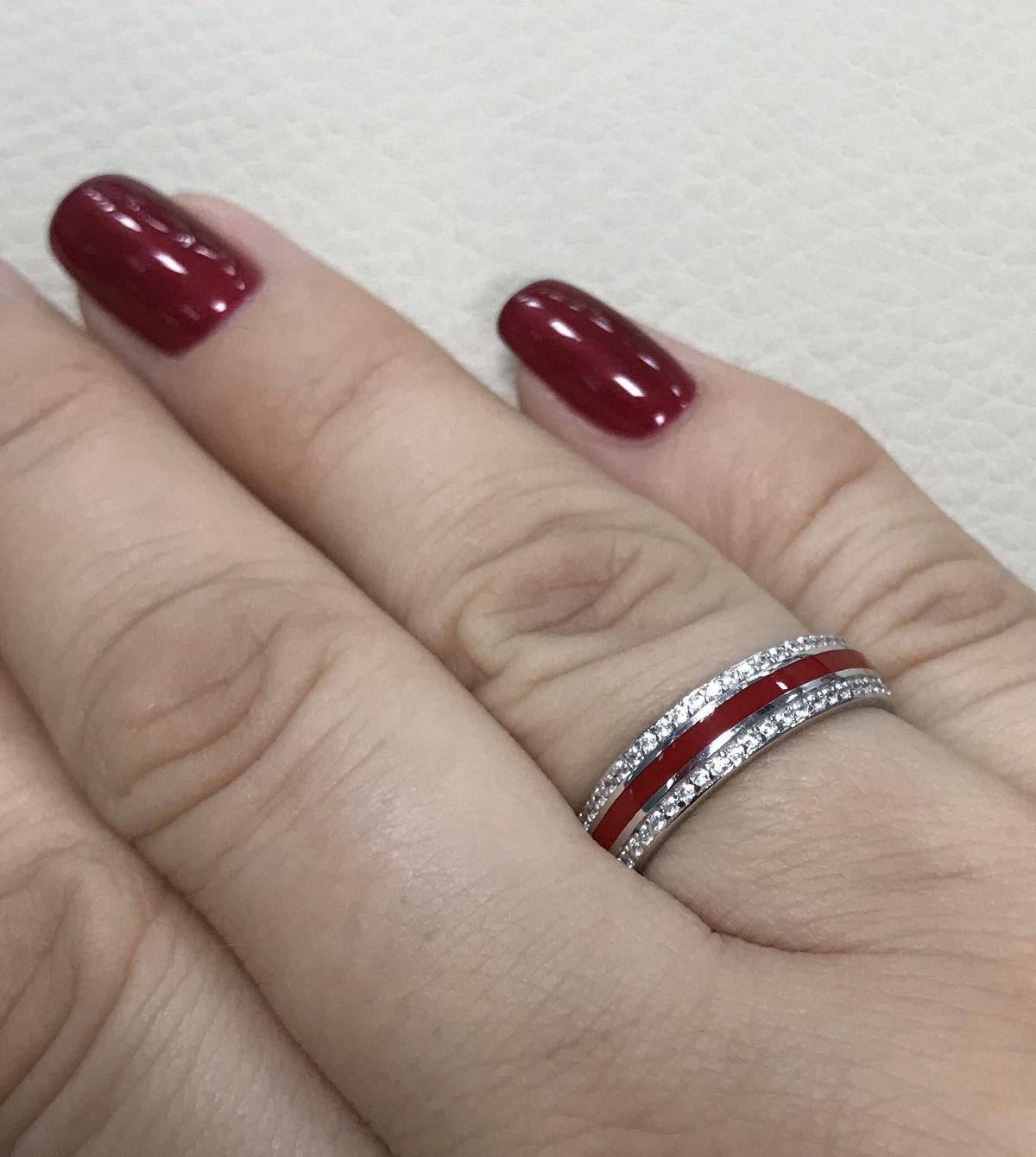 Красивое серебряное колечко