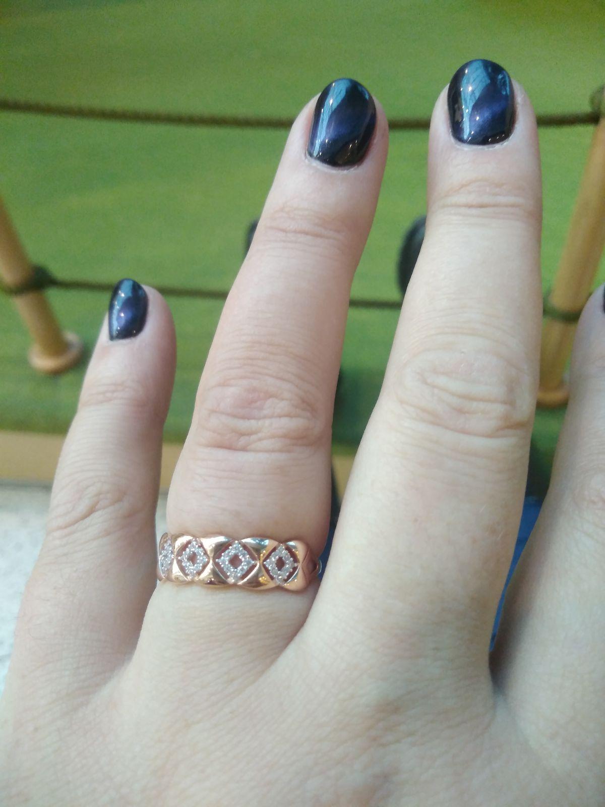 Золотое кольцо 585 проба с фионитами