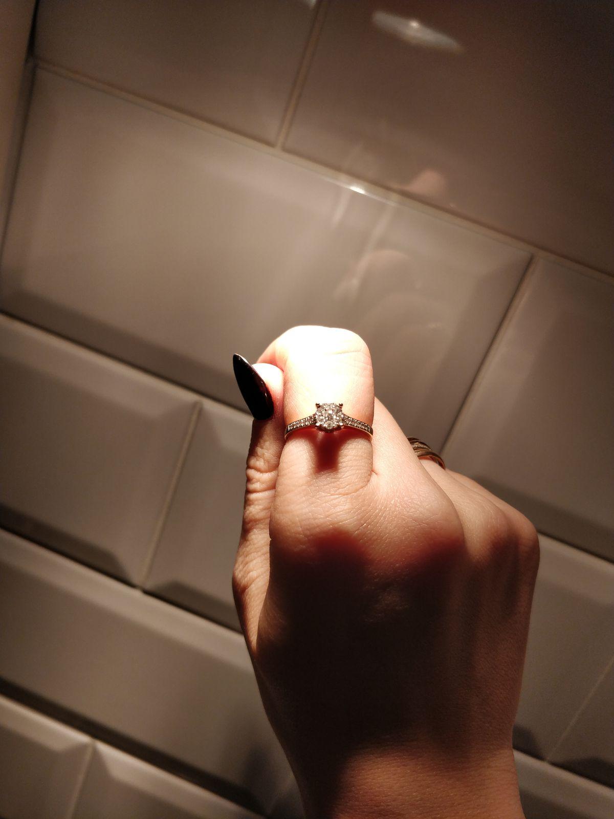 Колечко с бриллиантами!