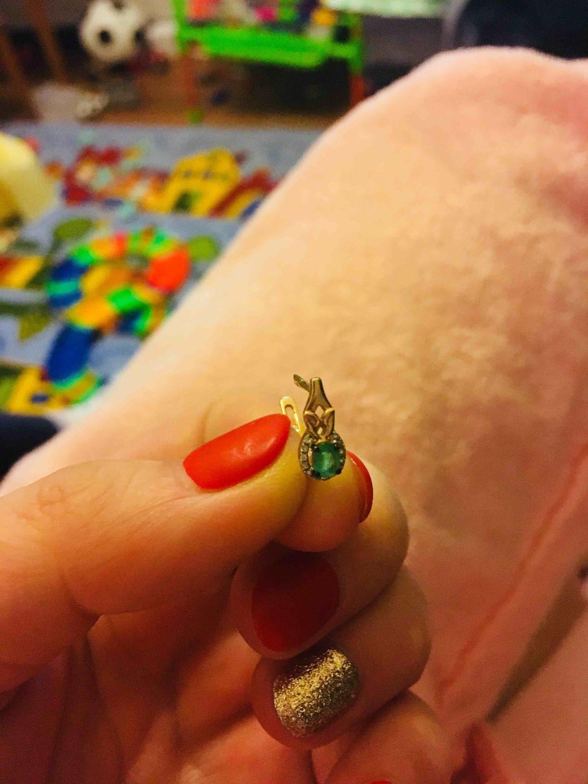 Серьги с изумрудами природными и бриллиантами.