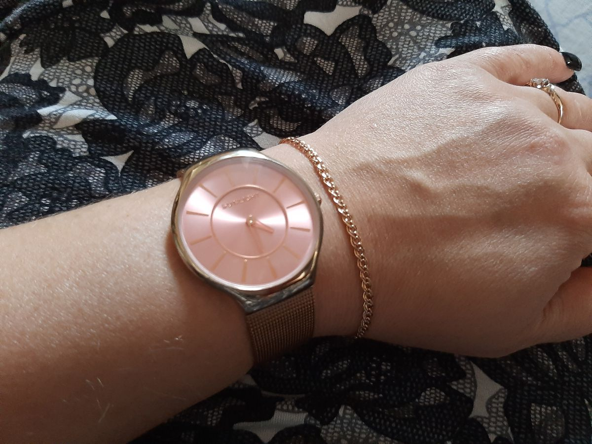 Часики с розовым циферблатом